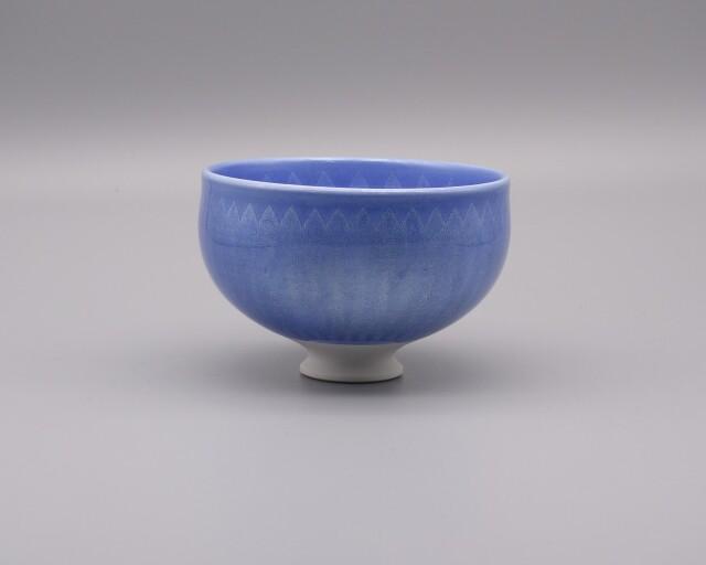 抹茶碗 淡青釉裏銀彩 [ 中田一於 ]