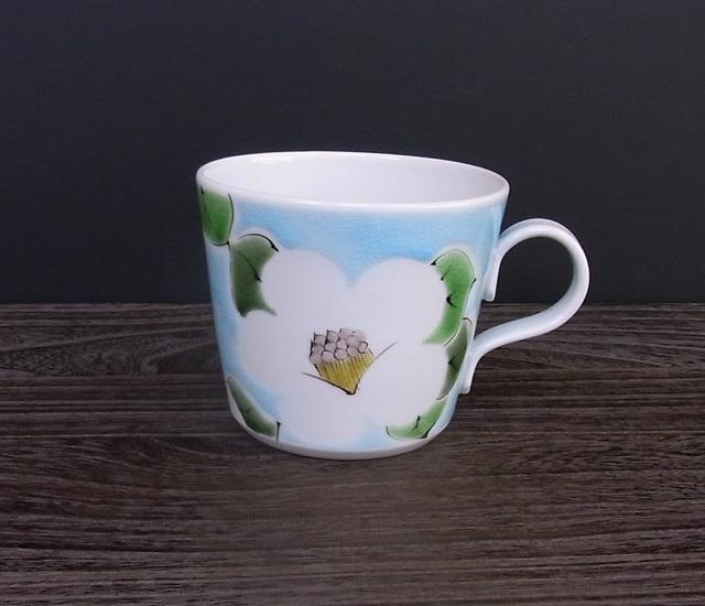 マグカップ 椿(水色) [ 九谷極彩×色絵九谷 遊 ]