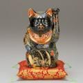 九谷焼 7号招猫 黒盛(左手上げ) [ 座布団付 ]