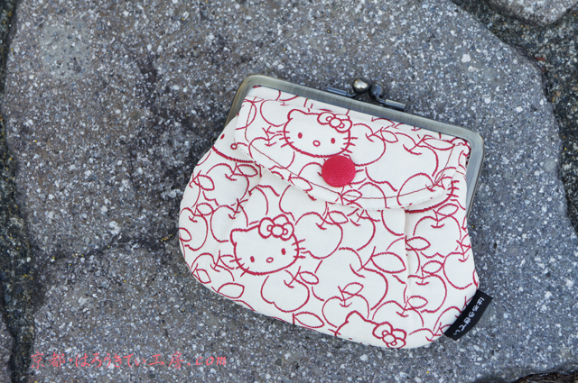 【メール便可】ハローキティ/和風キティ/Hello Kitty/ふくれ織/親子がま口ポケット付き