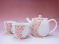 【日本のお土産】◆桜流ポット2客茶器揃セット【日本美陶】