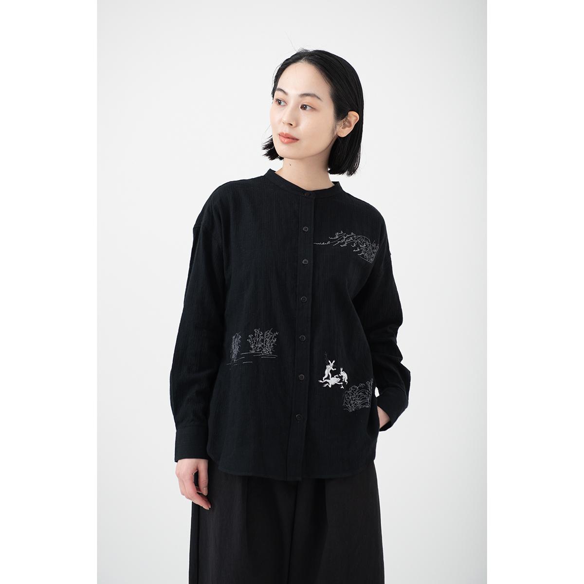KY17-676B/ふんわりスタンドカラーシャツ(黒)/ひっくり蛙(黒)