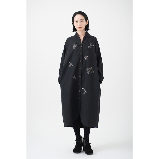 KY29-672CB/ロングシャツワンピース[播州織]/兎(黒)