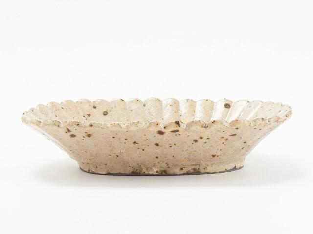 粉引輪花 楕円皿
