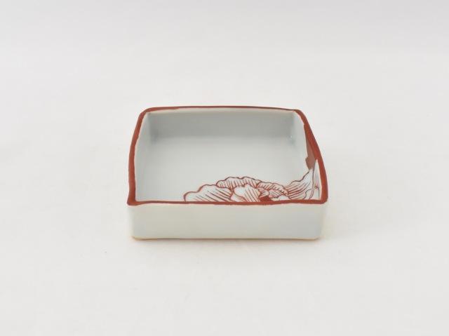 赤絵 牡丹角皿