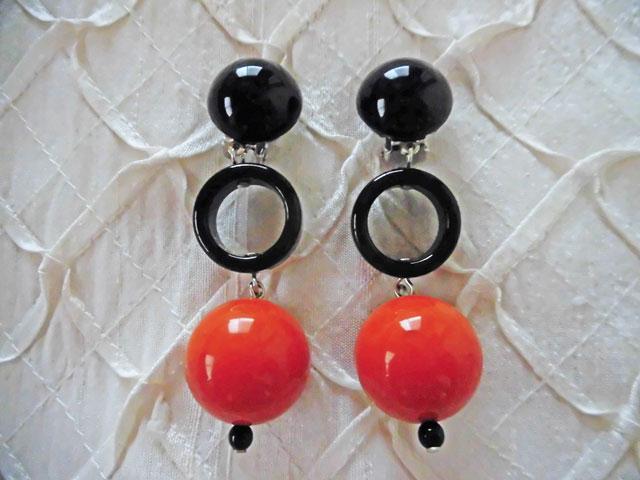 アンジェラ、ボール&ブラックリングスイングイヤリングER8002-OR オレンジ