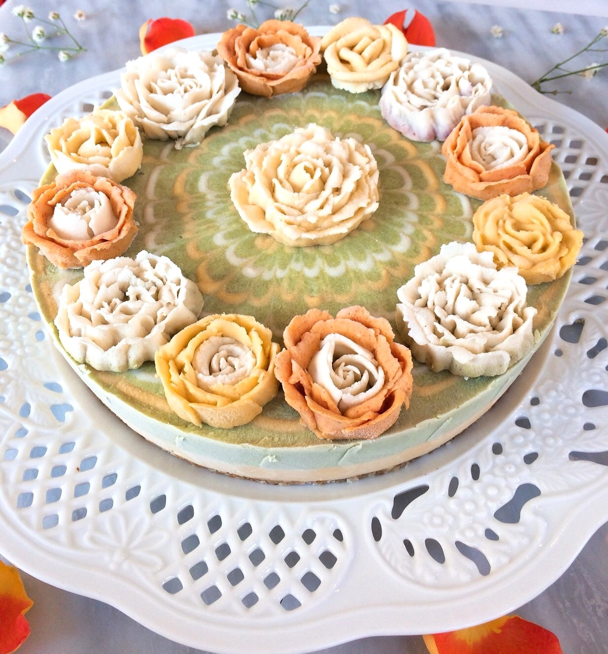 ≪Rawフラワーケーキ ≫陽だまり (マンゴー&マスカット味)18cmホール