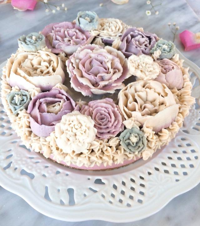 ≪Rawフラワーケーキ≫ 優雅な貴婦人 (有機いちご&有機ゆず味) 18cmホール