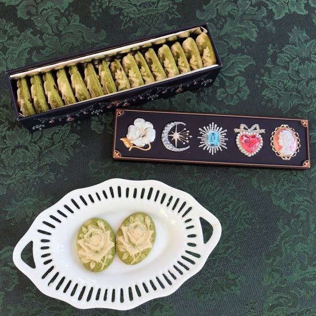 《本葛粉グルテンフリークッキー》ロイヤル カメオクッキー(ピスタチオ×緑茶)