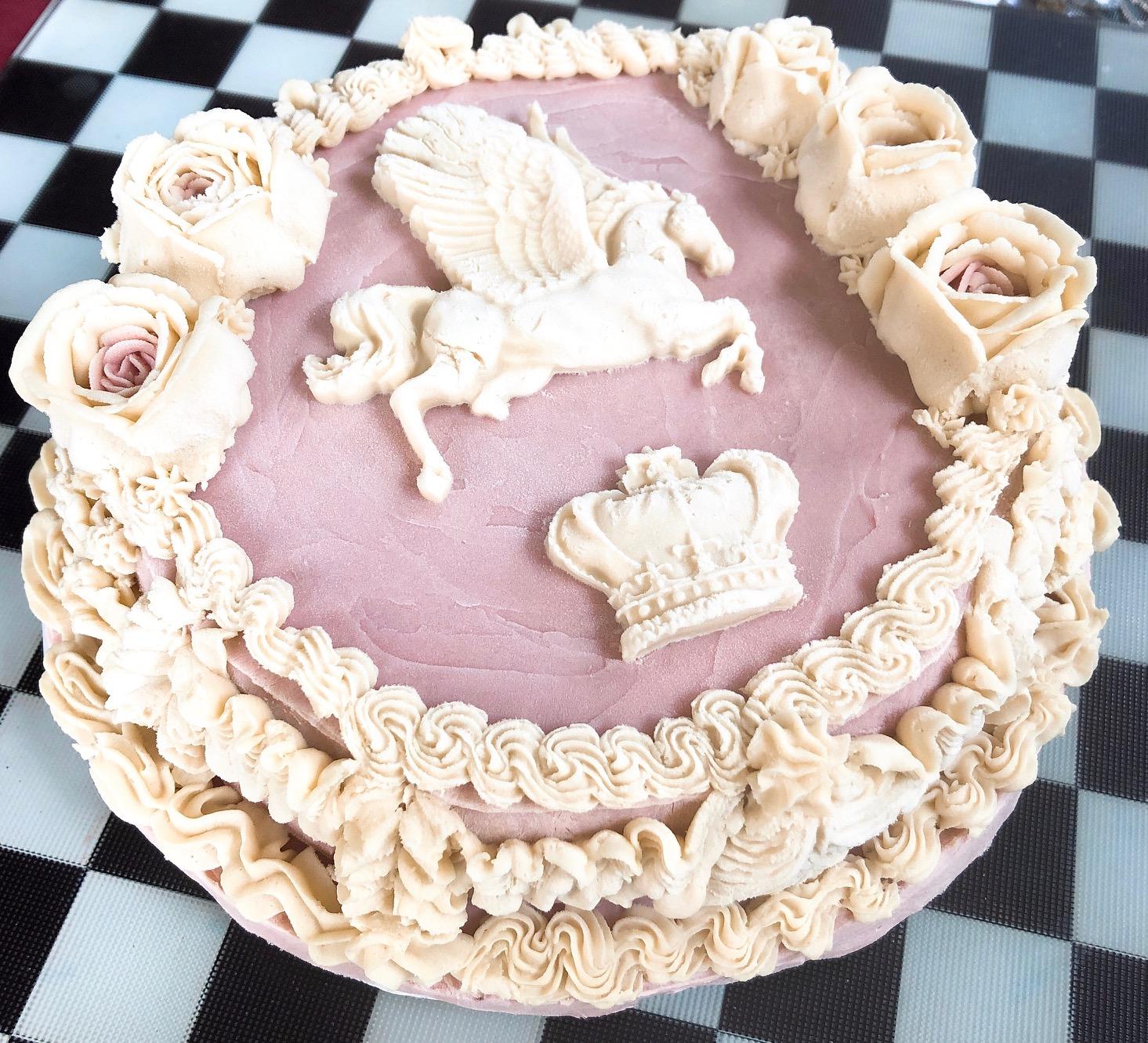 ≪Raw&ヴィーガン ロココ調フラワーケーキ≫幸運/Bon Chance(ボンシャンス) カシス&ピスタチオ&チョコレート味 18cmホール