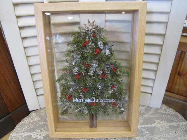 プリザーブドフラワーでウッドフレームアレンジ クリスマスツリー