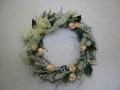 プリザーブドフラワーのアレンジ ナチュラルな花材を使ったリース