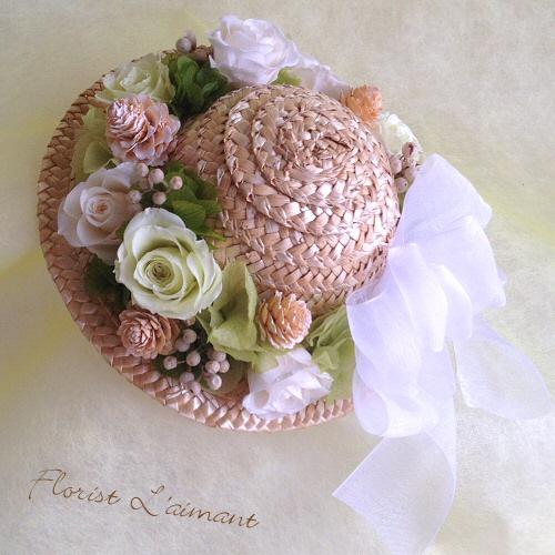 麦わら帽子の花飾り01