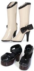 Shoes Selectionブーツ(ベージュ)×ストラップシューズ(ブラック)