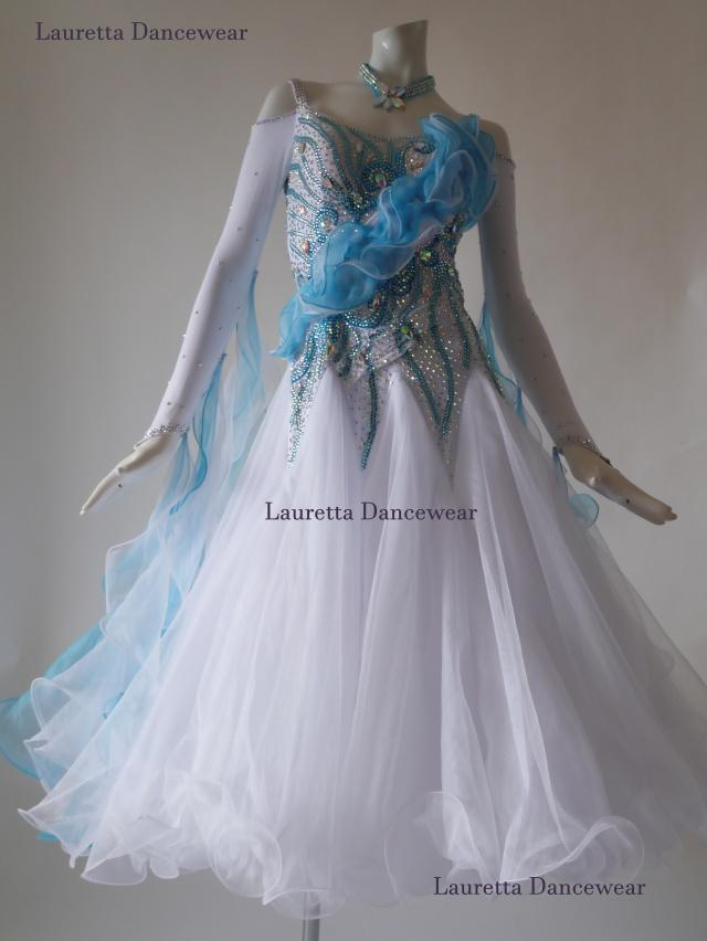 【社交ダンスドレス・衣装】スタンダード/モダン 高級仕様 ホワイト/スカイブルー 3Dモチーフ ST20879(M)