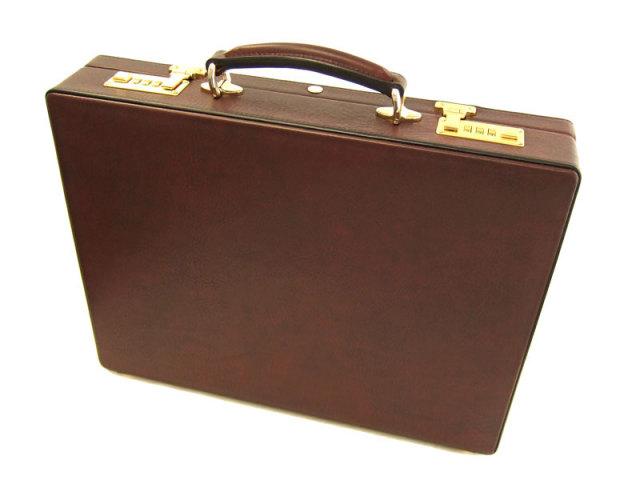 オックスフォード アタッシュケース 「ゴールドファイル」 901509 バーガンディ 背面