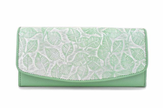 Leaf(リーフ) 薄型長財布 「ゴールドファイル」 GP56213 パールグリーン 正面