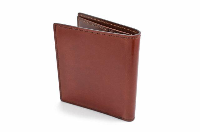 Natural Cordovan(ナチュラルコードバン)  コンパクト二つ折り財布(小銭入れなし) 「プレリーギンザ」 NP48624 チョコ 裏面