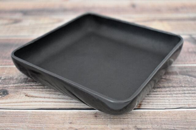 Artigiano(アルチジャーノ) 牛革トレー正方形  「プレリーギンザ」 NP72013 ブラック 正面