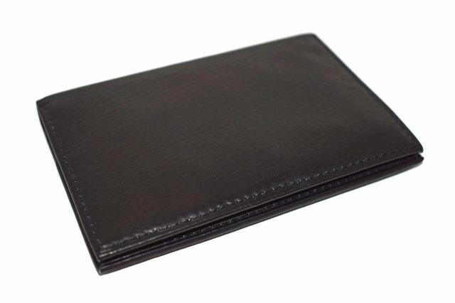 Glove high soft leather(グローブハイソフトレザー) 薄型名刺入れ「プレリーギンザ」 NPM4385 クロ 正面