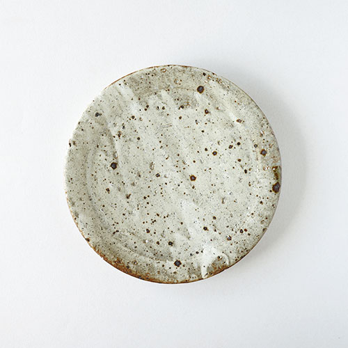 鉄吹粉引き リム7寸皿/亀井 紀子
