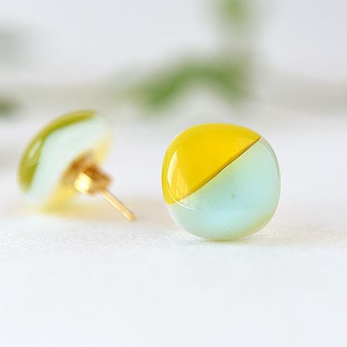 色板ガラスのピアス・イヤリング【ライトグリーン×イエロー】/吉田 成美