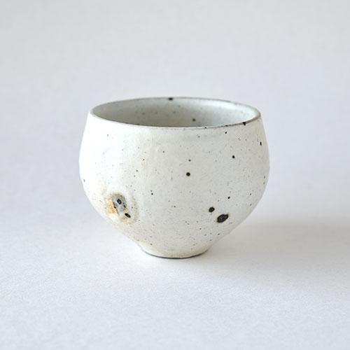 ほっこり湯呑・中【陶器・粉引】/十河 隆史