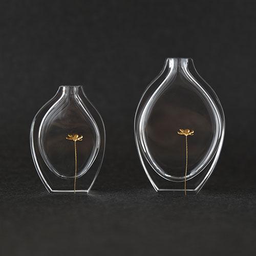 a bottle-flower(一輪挿し)/時澤真美