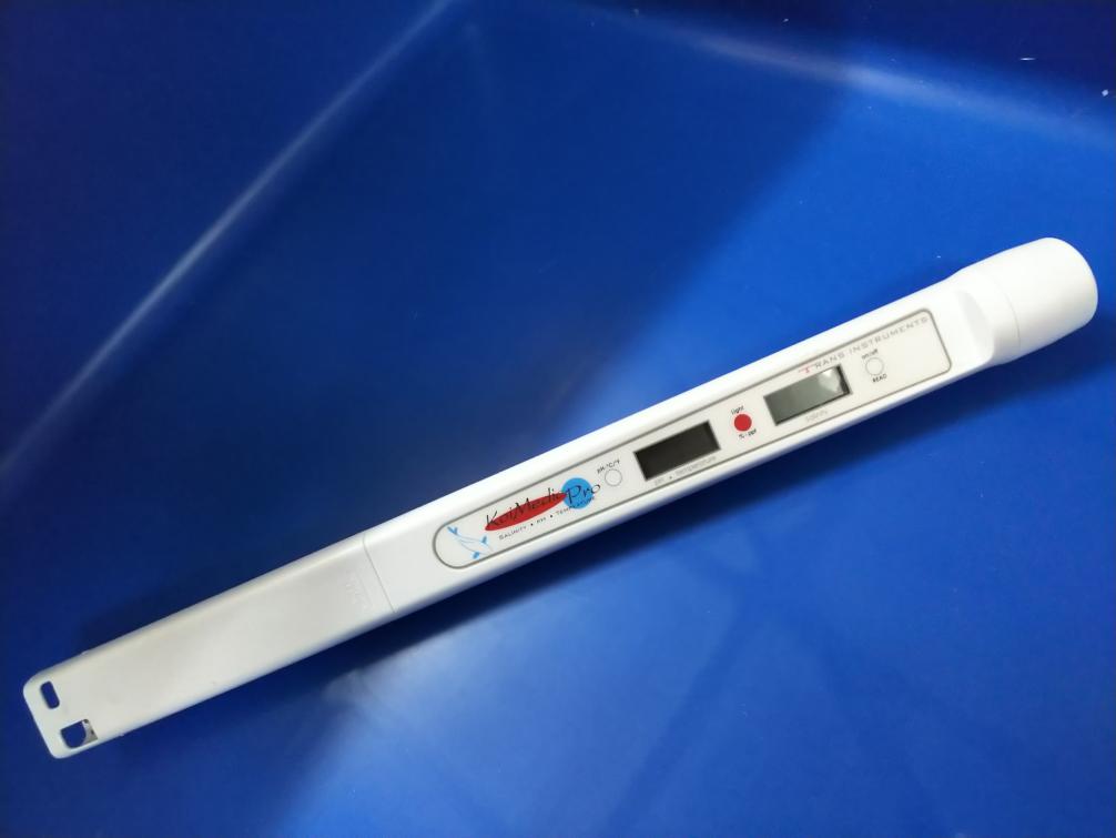 【送料・消費税込】塩分・水温・PHを一発測定!塩分濃度計 コイメディックプロ