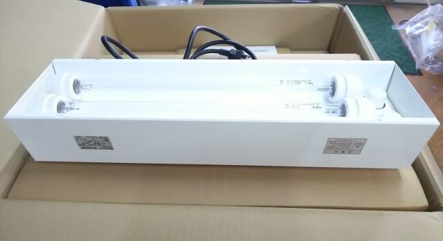 【消費税込・送料無料】岩崎電気 アイ アクアリブ 15W 2灯式 I-AQUA-RIB-15W02