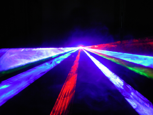 【性能アップの新モデル】600mwRGBカラーレーザーライト25Kスキャナー搭載性能アップで超お買い得