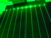 最新の光の演出にレーザーカーテン登場 2本在庫有り。