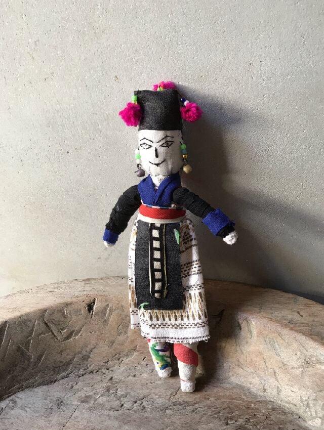 ラオスモン族人形A-1