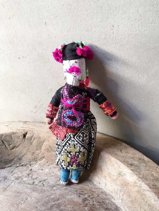 ラオスモン族人形B-3