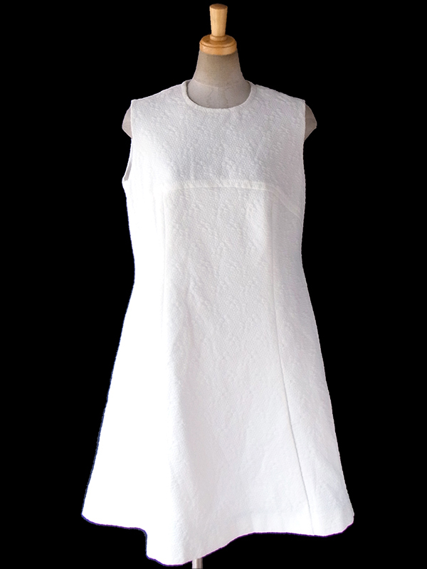 ヨーロッパ古着 ロンドン買い付け 70年代製 ホワイト X 花柄の浮かぶ生地 レトロ ワンピース 16OM829