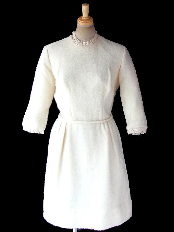 ヨーロッパ古着 ロンドン買い付け 60年代製 アイボリー パイル地 レース襟・袖 共布ベルト付き ワンピース 18BS303