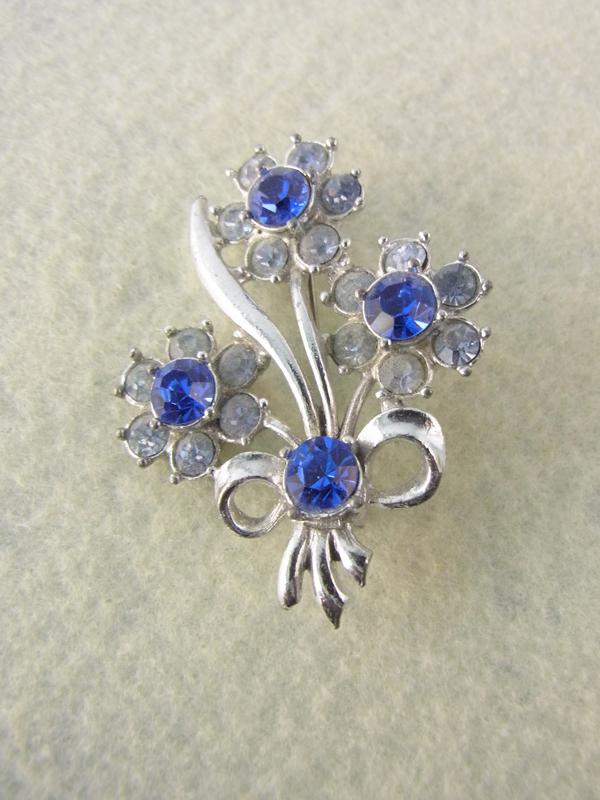 ロンドン買い付けブルー.ライトストーン花束モチーフヴィンテージブローチ09uk303