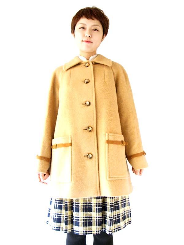 英国ブランドAquascutum製、ソフトな色合いとモダンなデザインが素敵なウールコート