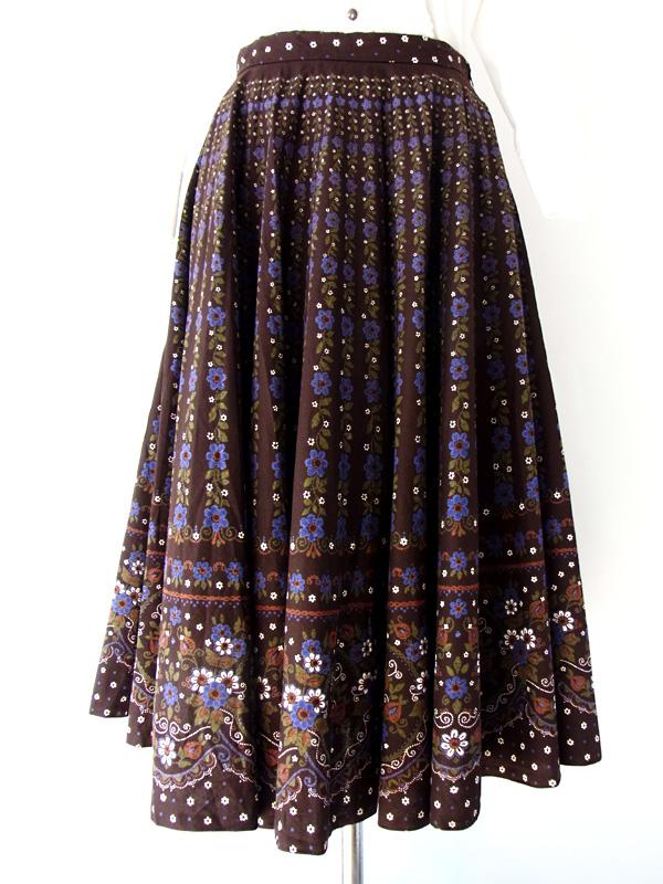 ヨーロッパ古着 フランス買付け ブラウン×紫・白花柄 おとなかわいい ヴィンテージ チロル スカート