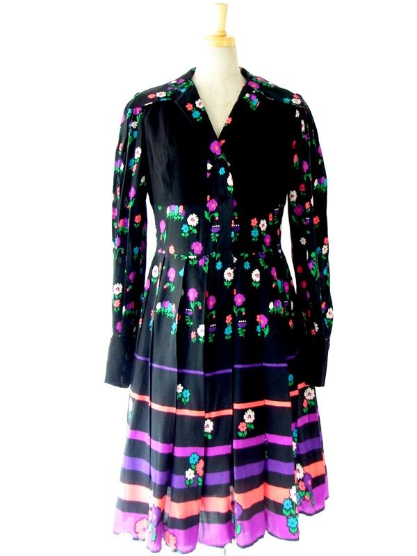ヨーロッパ古着 フランス製 ブラック X カラフル レトロ花柄 プリーツスカート ワンピース ドレス : 13FC705