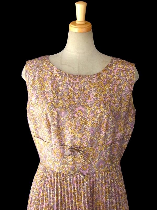 ヨーロッパ古着 ロンドン買い付け 60年代製 イエロー・グレージュ・ピンク 花柄幾何学風プリント ワンピース 15BS229