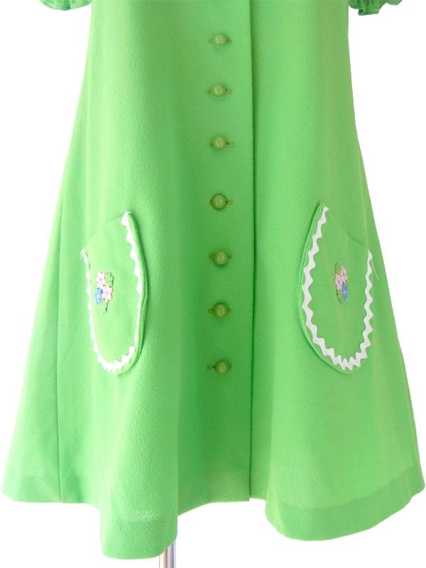 ヨーロッパ古着 ロンドン買い付け 60年代製 ライムグリーン X ホワイト山道テープ 花柄刺繍 レトロ ワンピース 15OM101
