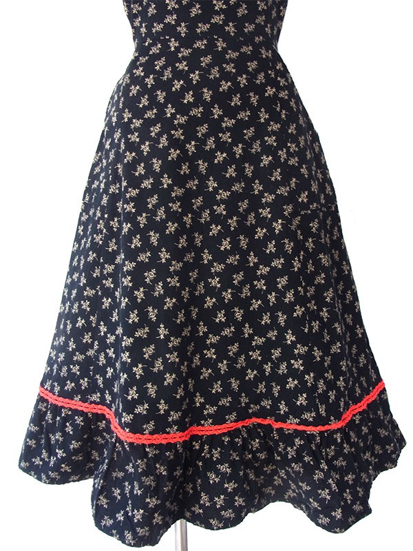 ヨーロッパ古着 ロンドン買い付け 60年代製 ブラック X イエロー小花柄 レッド テープ縁取りヴィンテージ ワンピース 16BS015