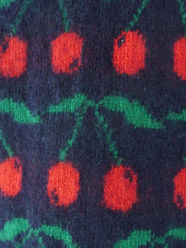 ヨーロッパ古着 ロンドン買い付け ネイビー X チェリー柄 ウールニット セーター 16BS339