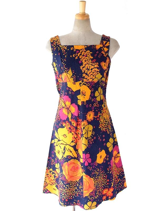 ヨーロッパ古着 フランス買い付け 60年代製 ネイビーにカラフルな花柄 刺繍が浮かぶ生地 ヴィンテージ ワンピース 16FC110