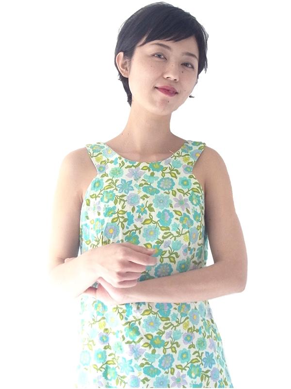 【送料無料】フランス買い付け 60年代製 ホワイト X カラフルな花柄 裾元に水色テープ レトロ ワンピース 16FC207【ヨーロッパ古着】
