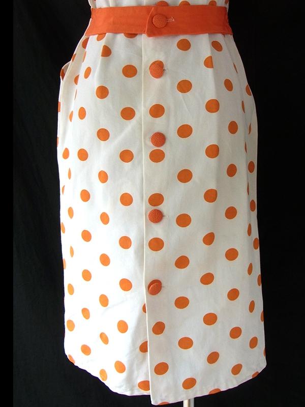 ヨーロッパ古着 ロンドン買い付け ホワイト X オレンジ 水玉 レトロデザイン ヴィンテージ ワンピース 16OM116