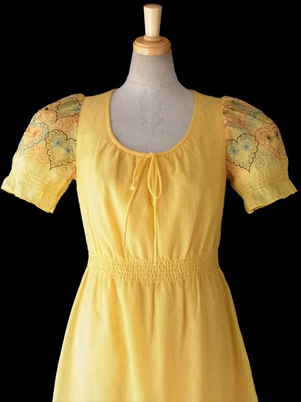ヨーロッパ古着 ロンドン買い付け 60年代製 イエロー X カラフルなハート柄刺繍 ロング ワンピース 16OM310