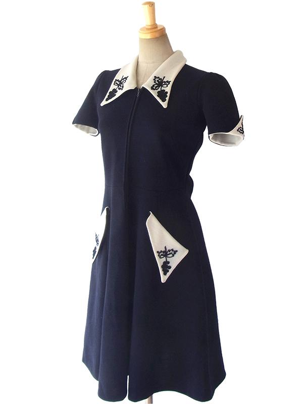 ヨーロッパ古着 ロンドン買い付け 60年代製 ブラック X ホワイト ブドウ柄 コード刺繍 ヴィンテージ ウールワンピース 16OM328