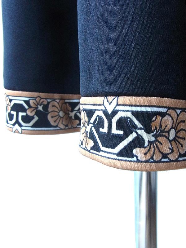 ヨーロッパ古着 ロンドン買い付け 70年代製 ブラック X 花柄ラインベルト付き 美しいドレープ ワンピース 17BS213